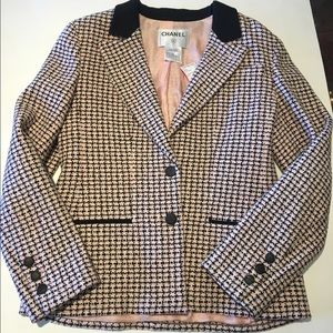 Chanel pink tweed blazer